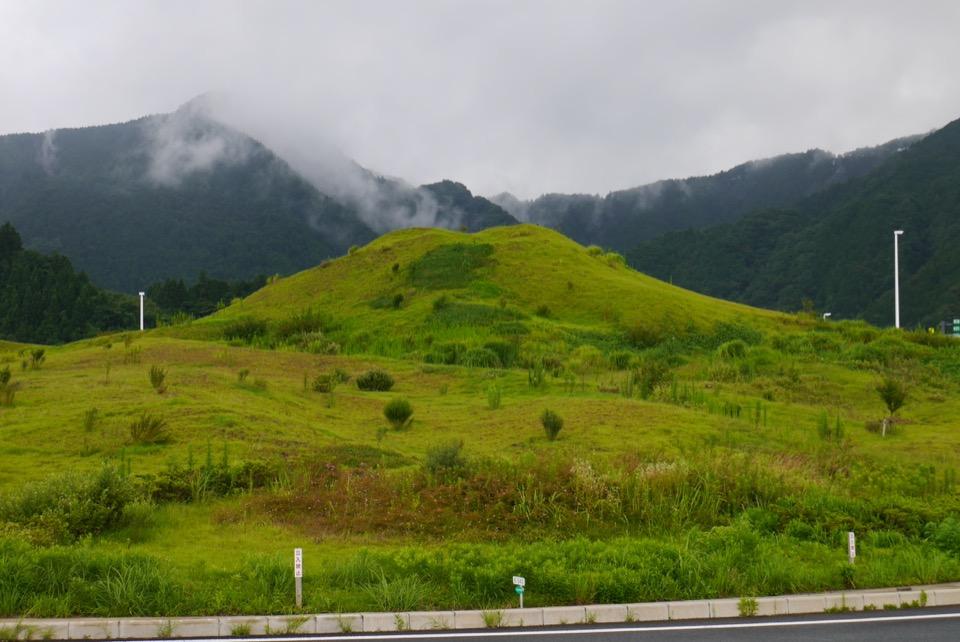 新東名高速道路で富士山が見えるサービスエリアで幻の富士山を見て