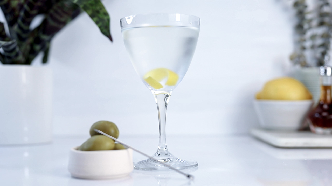 Dry martini with olives and twist