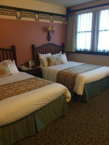 golden forest, sequoia lodge hotel, disneyland paris