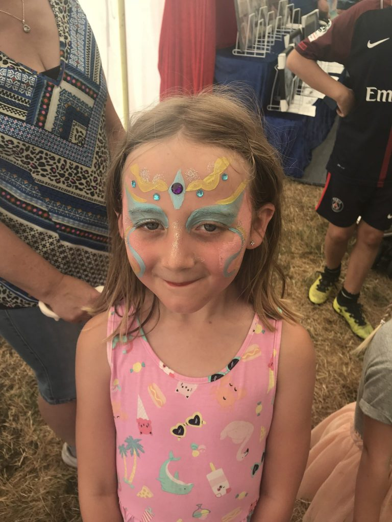 child facepainting, family update, summer holidays