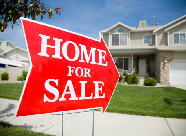 Are you looking to build your real estate business in 2015? Ready to top sales records? We have five hot tips on how you can make the most of 2015!