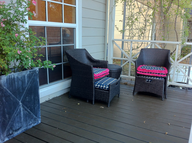 8919 Forest Hills Front Porch