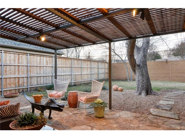 4135 Lively Patio