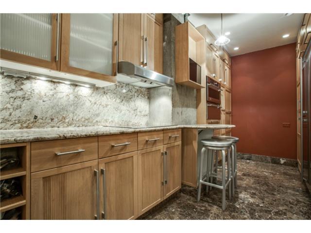 Athena unit 1416 Kitchen 2