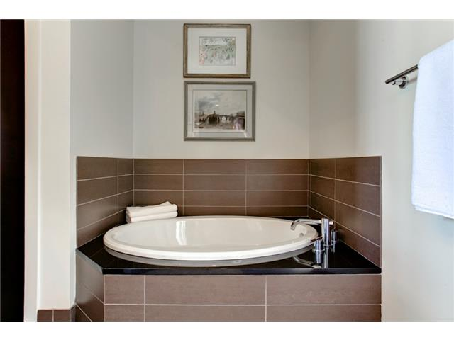 2600 W 7th ST #2738 Master Bath 2