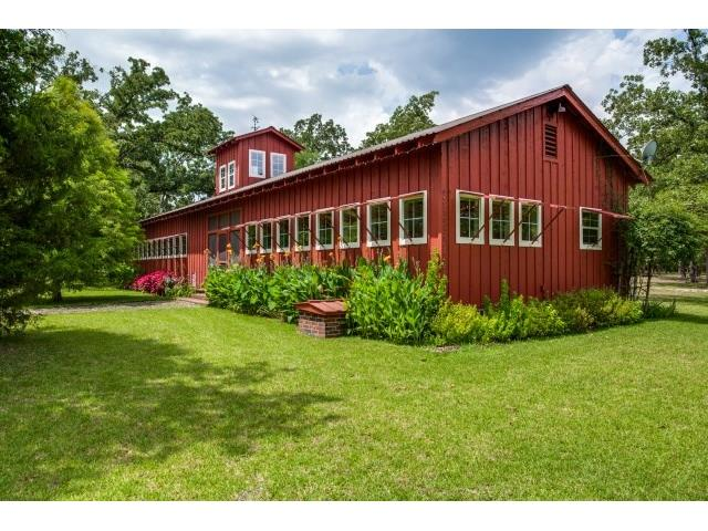 """""""Dairy Barn"""" guest house has bedroom, kitchen,washer, dryer & la"""