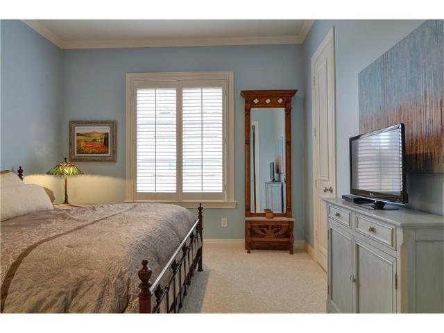 Thomas street bedroom1