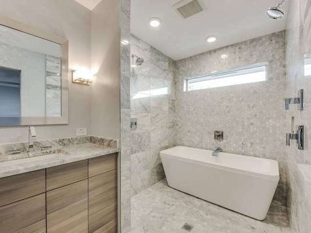 3239 Whirlaway Road Master Bath