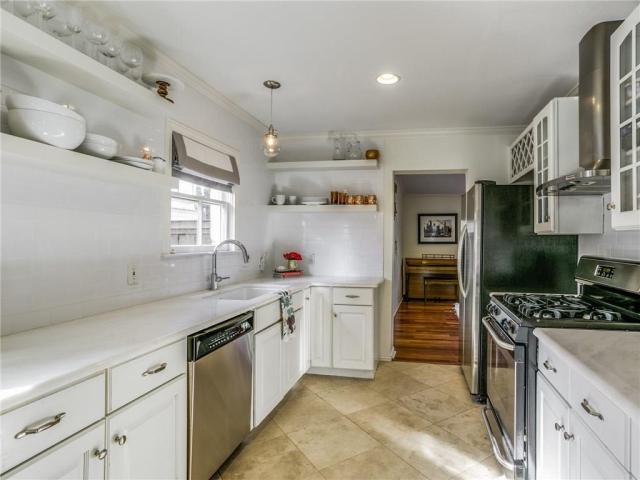 Cape Cod kitchen.ashx