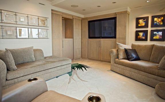 LaTour penthouse condo LR1