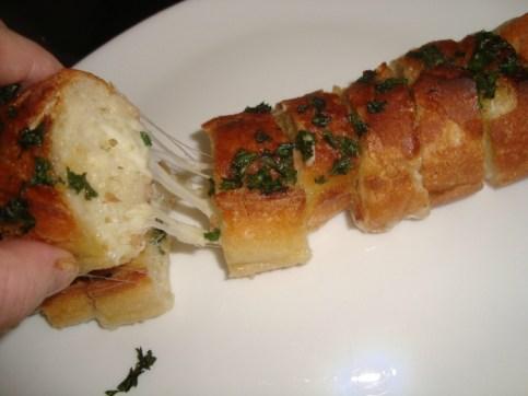 Baguette apéritive à l'ail et au persil 2