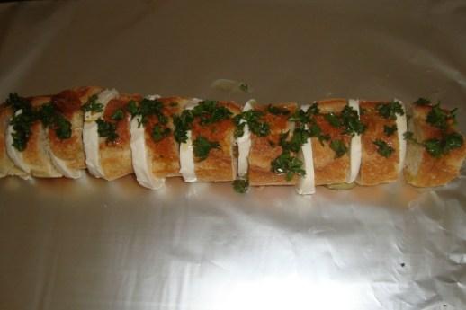 Baguette apéritive à l'ail et au persil 4.jpg