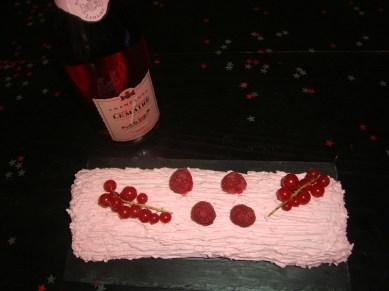 Bûche de Noël aux fruits rouges7