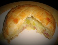 Feuilleté au camembert et au saucisson2 (2)