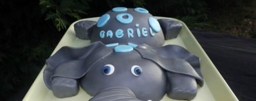 Gâteau éléphant en pâte à sucre pour les 1 ans de Gabriel (2)