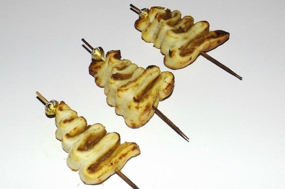 Sapin feuilleté ( au foie gras et au confit d'oignons )2