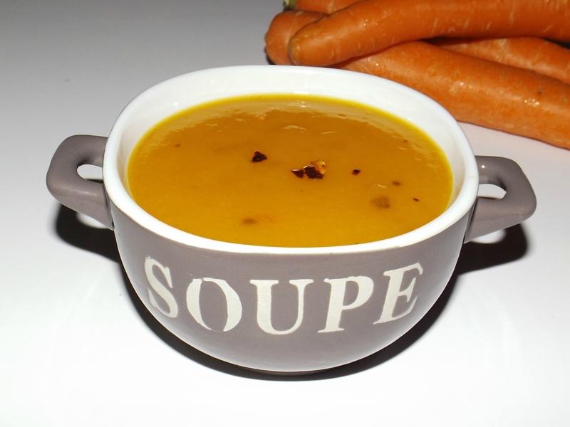 Soupe aux carottes et aux oignons à la nora ojila.jpg