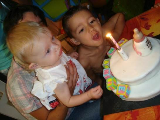 gâteau d'anniversaire en pâte à sucre 1 an léanie4
