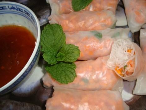 rouleaux de printemps classiques ( crevettes, carotte et menthe )2