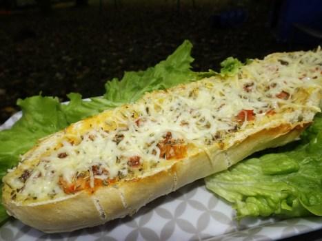 Pain farci à la provençale (tapenade, tomate et chorizo)2