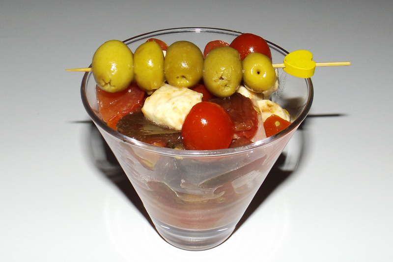 Salade aux 3 tomates, jambon cru et mozzarella