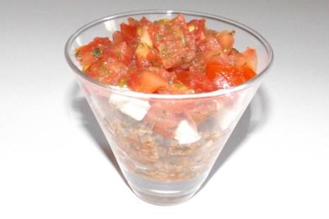 Verrine de taboulé de quinoa aux tomates et à la mozzarella