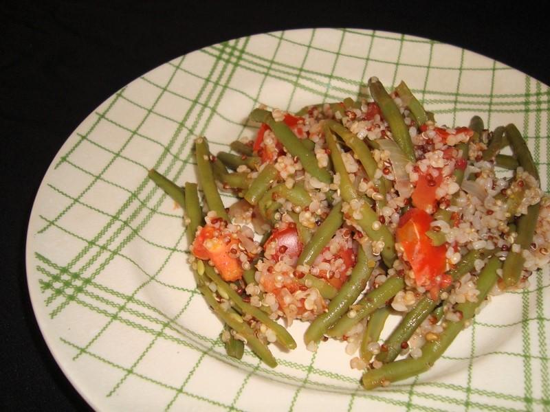 Poêlée d'haricots verts, quinoa et tomates ( recette Veggie )