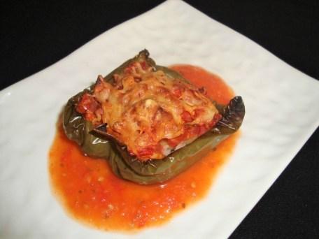 Poivron farci au riz basmati et à la tomate ( recette Veggie )2