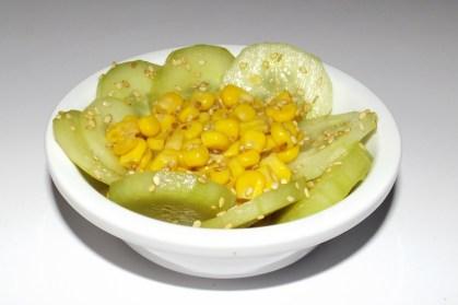 Salade de concombre et de maïs aux saveurs asiatiques2