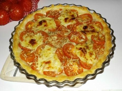 Tarte au thon aux tomates et au cabécou.jpg
