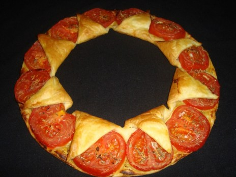 Tarte couronne tomates et moutarde