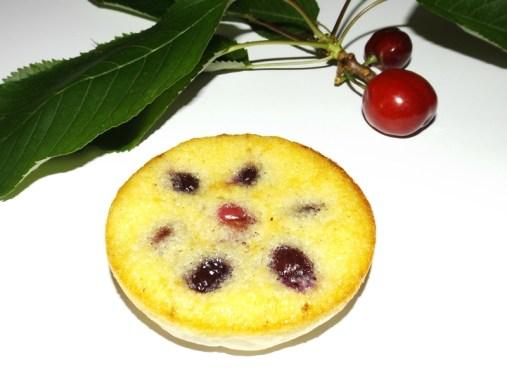 Tartelette aux amandes et aux cerises.jpg