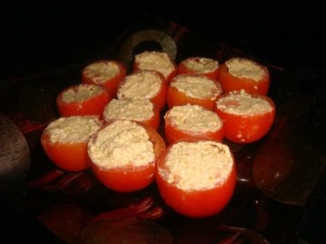 Tomates cerise à l'olivade verte au Piment d'Espelette