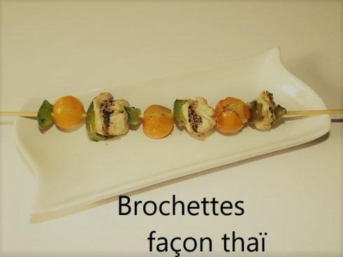 Brochettes façon thaï ( poulet, tomates cerise et poivron vert ).jpg