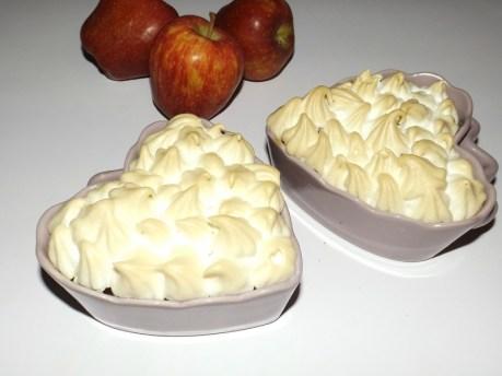 Gratin de pommes et à la confiture de lait meringué.jpg
