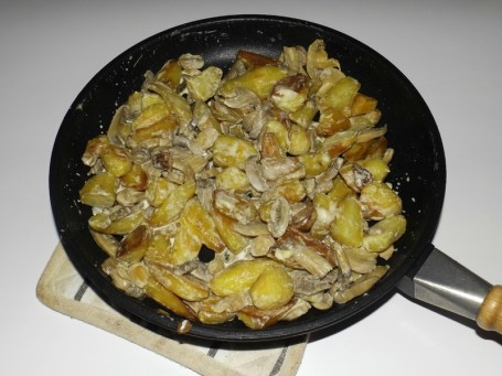 Poêlée de rattes aux champignons et à la crème de roquefort2