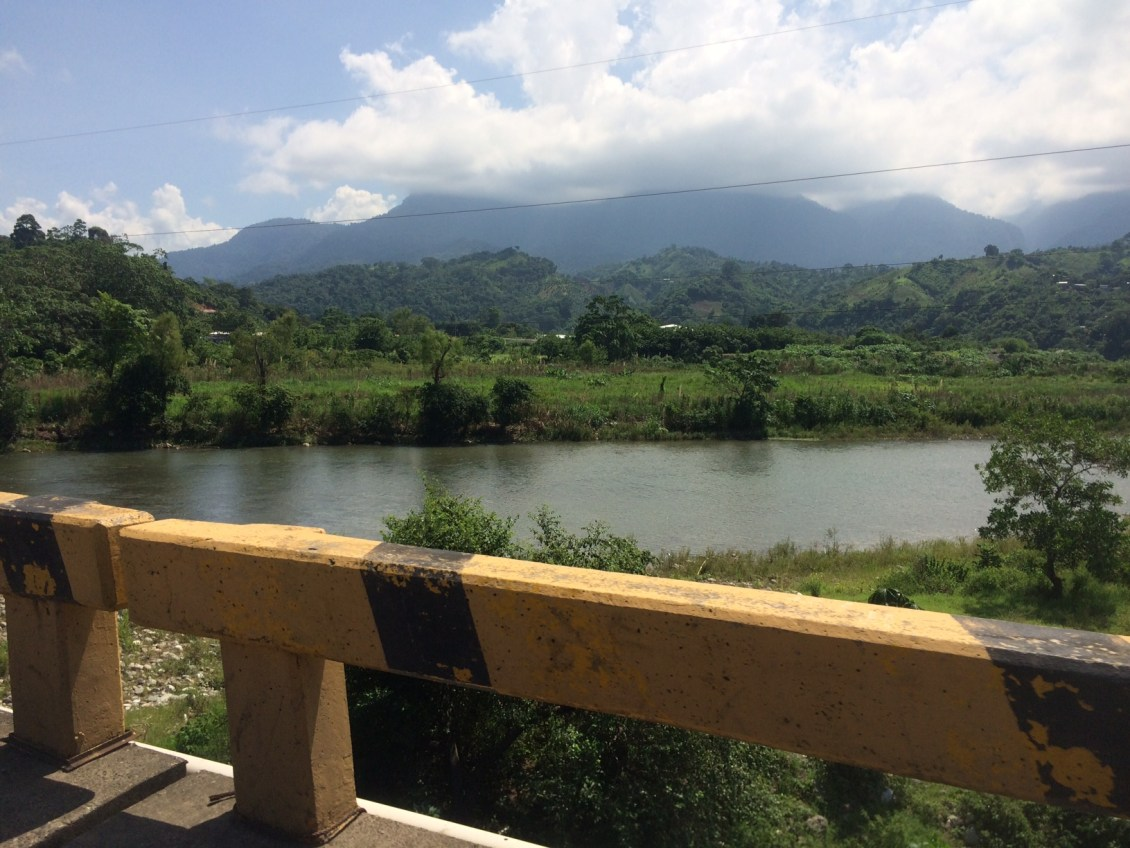 From La Ceiba to the Cangrejal River Valley