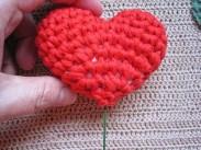 Örgü Tığ İşi Kalpli Çiçek Yapılışı (2)
