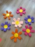 El İşi Kağıt ve Karton ile Yapılan Çiçek Çalışmaları