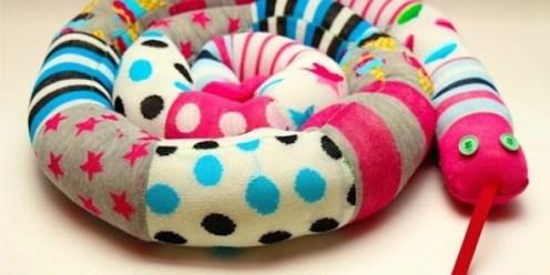 eski çoraplardan oyuncak yapımı