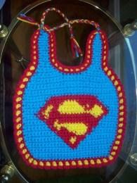 Örgü Bebek Mama Önlüğü Süperman