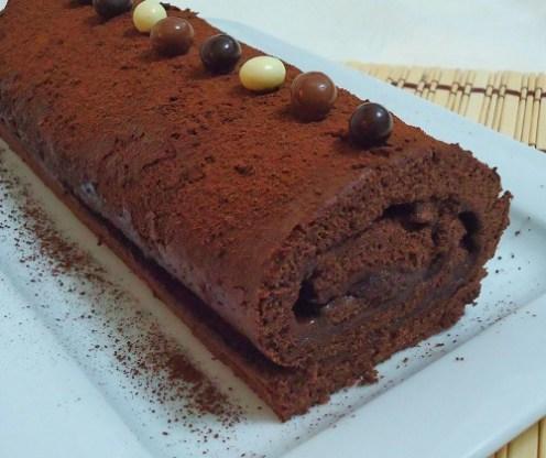 Bol çikolatalı rulo pasta