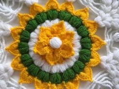 Tığ işi çiçek örneği