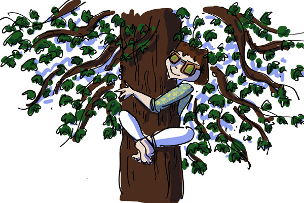 Girl hugging a tree and wearing Azir Miza sunglasses made of oak wood