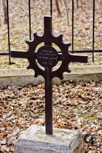 Krzyż łaciński w tej formie zaprojektowany przez Johanna Jägera