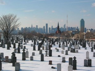 queens_calvary_cemetery_9feb03