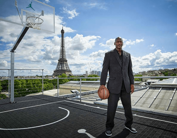 CIBASS michael-jordan-in-paris-to-mark-30-years-of-air-jordan-at-palais-23