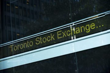 tsx-plunges-before-trading-halt-while-u-s-worst-week