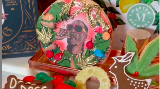Martha Stewart bakes Snoop Dogg weed cookies for the holidays
