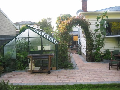 NZ Homestay Glasshouse for growing guests vegetables